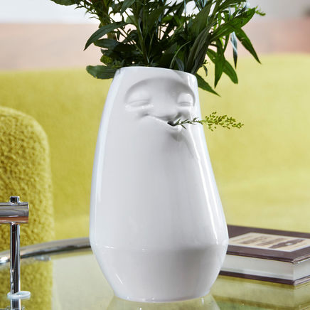 Tall vase laid-back, white